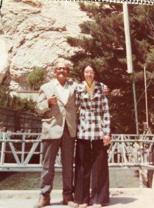 أوسمان صبري مع ابنة أخيه كَوي في بلودان 1976