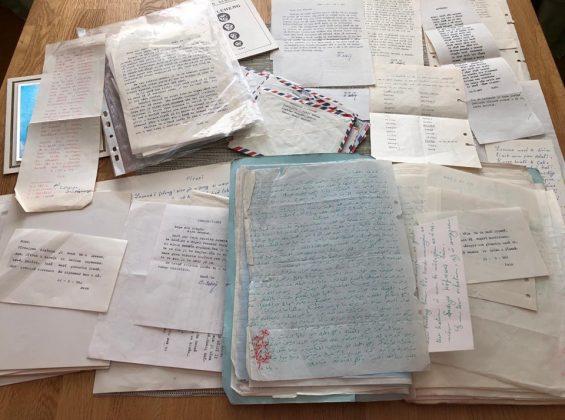 مجموعة من الوثائق